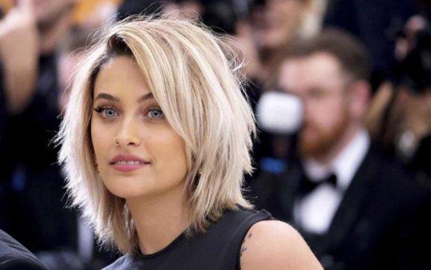 Дочь Майкла Джексона воззвала к Будде грудью