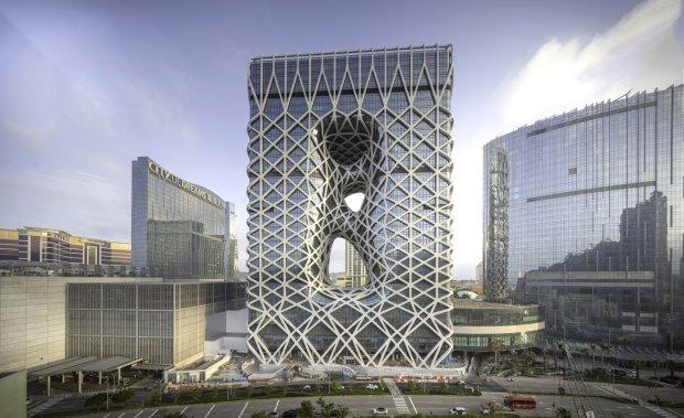 В Макао відкрився незвичайний готель за проектом Захи Хадід