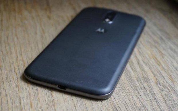 Motorola кинула виклик Apple