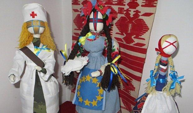 У Вінниці відкрили виставку ляльок-оберегів (фото)