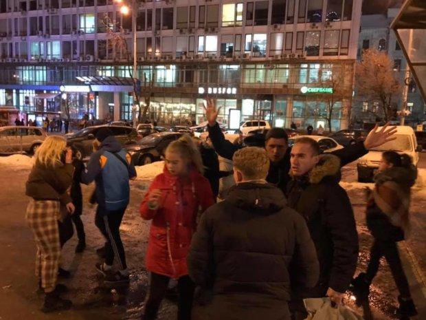 Всплыли шокирующие подробности о банде подростков, избивших мужчину в Киеве: полиции давно плевать