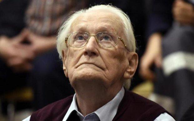 """У Німеччині помер """"бухгалтер Освенціма"""""""