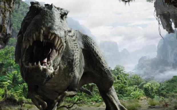 Ученые нашли новый вид гиганского динозавра с доспехами: видео