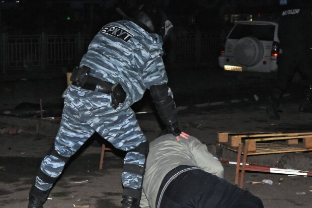 Экс-беркутовца, подозреваемого в пытках майдановцев, оправдали: получил должность в новой полиции