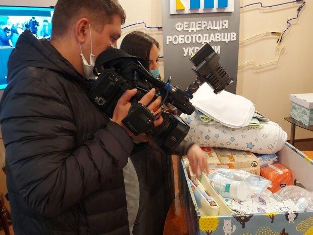 """""""Пакунок малюка"""" - фото з Фейсбуку Федерації роботодавців України"""