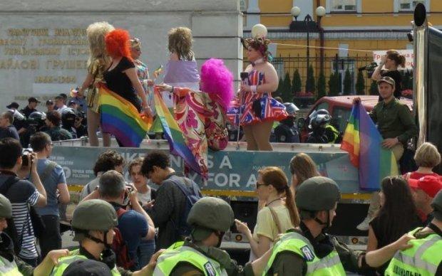 Порошенко пообещал однополые браки в Украине, сам того не зная