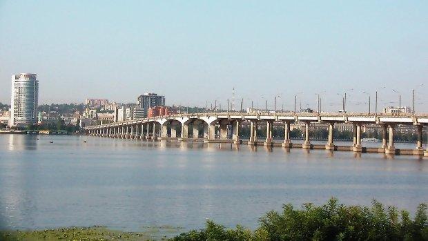 В Днепре на два месяца перекроют Новый мост: как изменится маршрут общественного транспорта