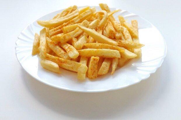 Холостякам и студентам на заметку - как правильно приготовить неповторимую жареную картошку