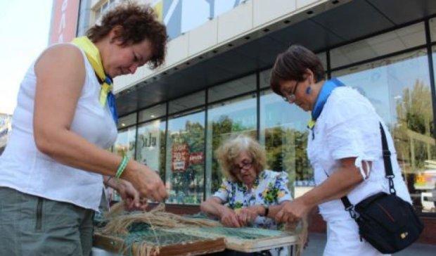 В Запорожье переселенцы и волонтеры поддержали бойцов АТО
