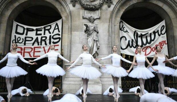 протест балерин у Парижі