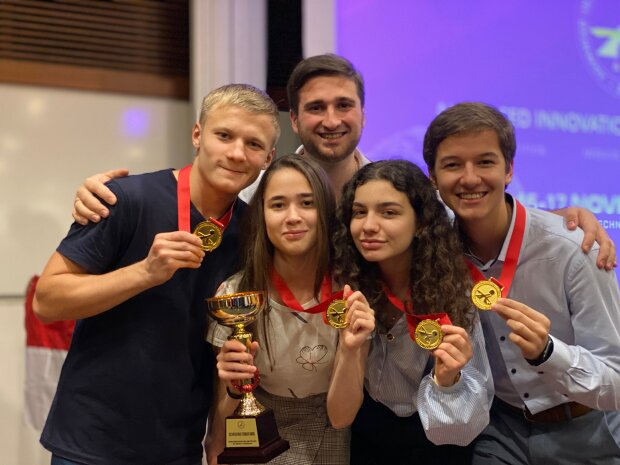 Студенти-переможці зі Львова, фото: мала академія наук України