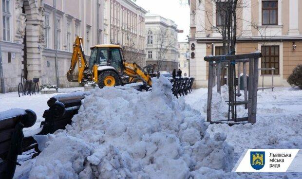 Прибирання снігу / фото: Львівська міська рада