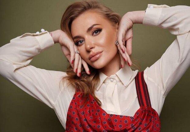 """Слава Каминская в зеленой """"кольчуге"""" призналась в любви после развода: """"Громко и ярко"""""""
