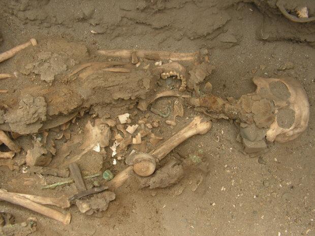 Унікальне поховання в Перу