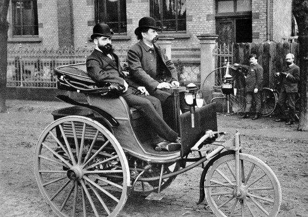 Пошло, поехало: кто и когда создал первый автомобиль