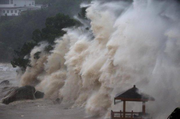 Надпотужний тайфун накриє країну в найближчі дні: почалася масова евакуація, мільйони попрощалися з домівками