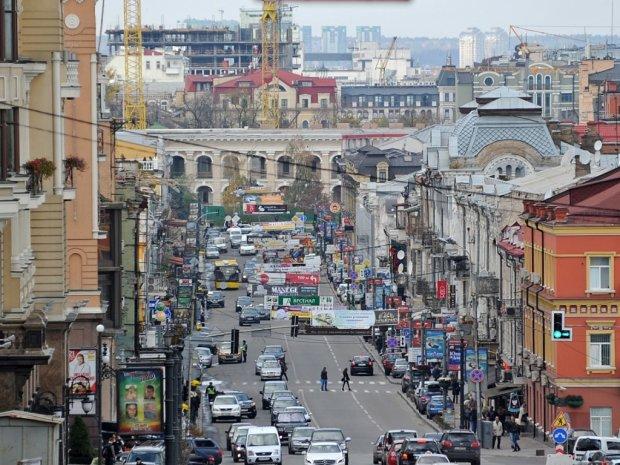 Во Львове ограничат движение транспорта: в чем причина