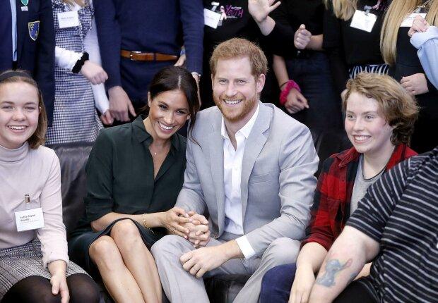 Меган Маркл и принц Гарри поставили перед выбором: что происходит в королевской семье за закрытыми дверями