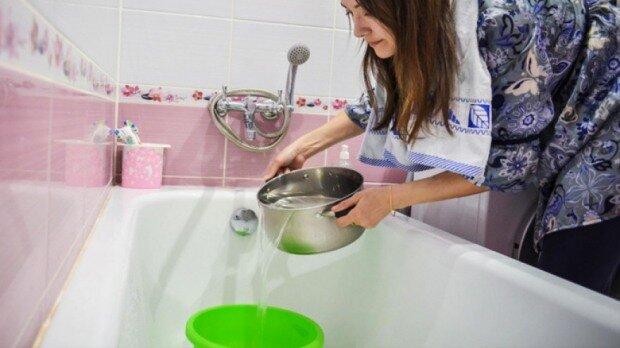 """В Запорожье на сутки отключат воду: список """"сухих"""" адресов"""
