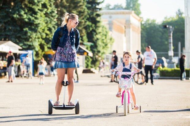 Літо йде з Дніпра: синоптики стривожили прогнозом на 28 серпня, але не все так погано