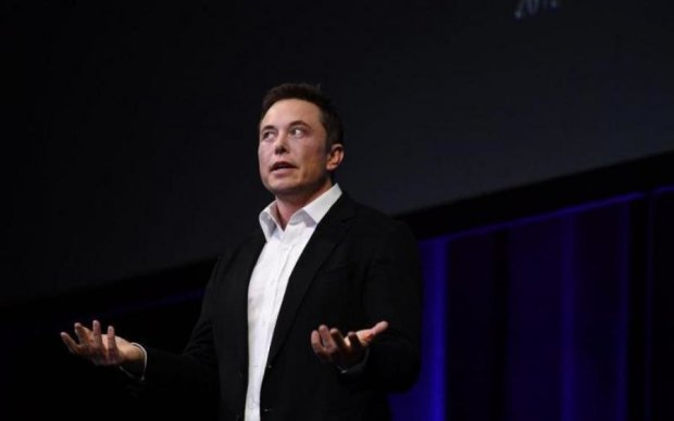 Tesla Маска пожертвує безпекою заради швидкості