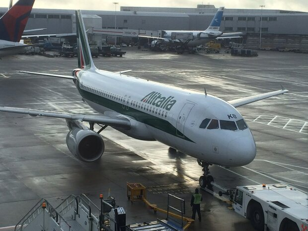 Літак Alitalia, Airline Geeks