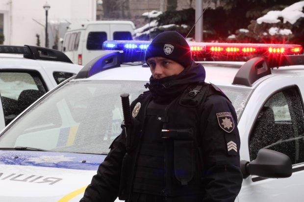 Ушла и не вернулась: убитая горем мать просит украинцев найти ее белокурую доченьку