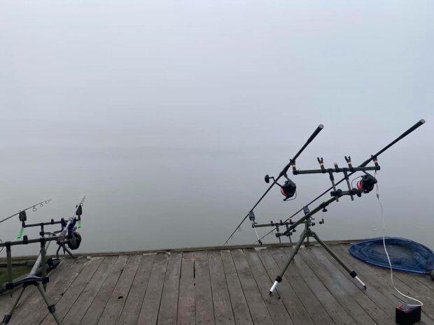 Под Днепром рыбаки выудили гигантских речных монстров - и похвастаться не стыдно