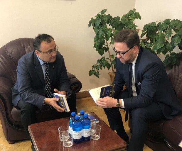 Василь Бондар та  Бартош Ціхоцький, фото: МЗС