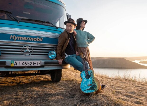 Сергей Бабкин с женой Снежаноф, скрин с видео