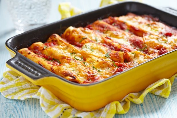 Італійська кухня: рецепт каннеллоні з соусом болоньєзе