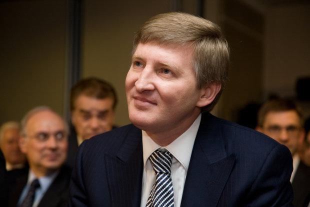 АМКУ внезапно ослеп и в упор не заметил монополии Ахметова
