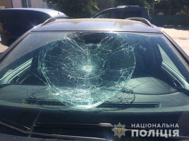 В Ужгороді чоловік пошкодив сім автомобілів