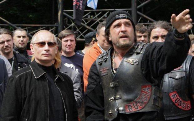 Путин заблаговременно поздравил любимого байкера с 9 мая