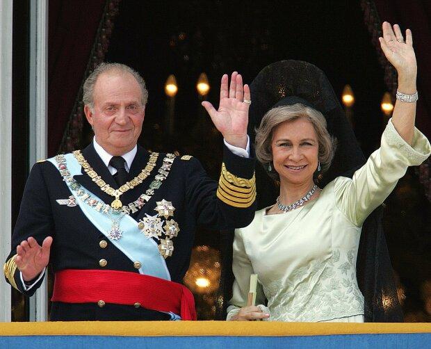 Втеча по королівськи: монарх покинув країну,  щоб врятувати сина-наступника