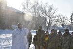 Украинские десантники не испугались мороза и отпраздновали Крещение по всем правилам