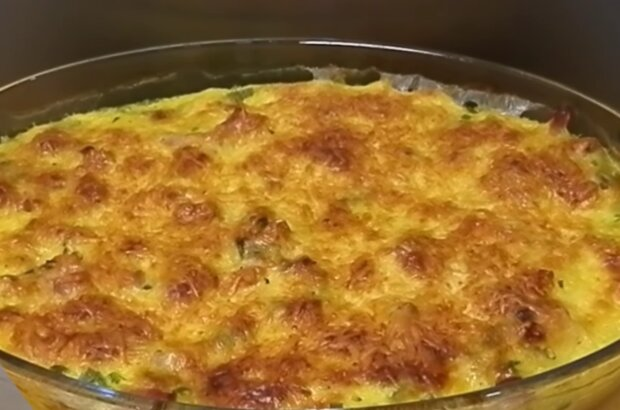 Запечені макарони з курятиною, кадр з відео