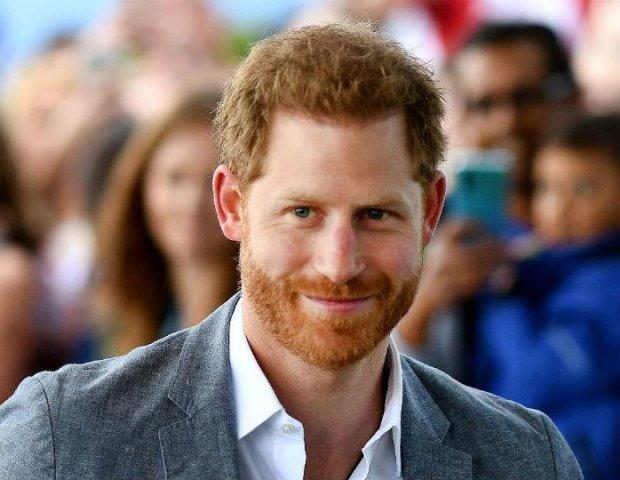 Вот что делает с мужчинами брак: принц Гарри лысеет из-за Меган Маркл, в королевский семье паника
