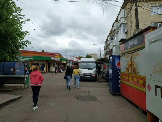 На ринку, фото Знай.ua