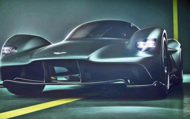 Секретный спорткар Aston Martin попал в объективы камер