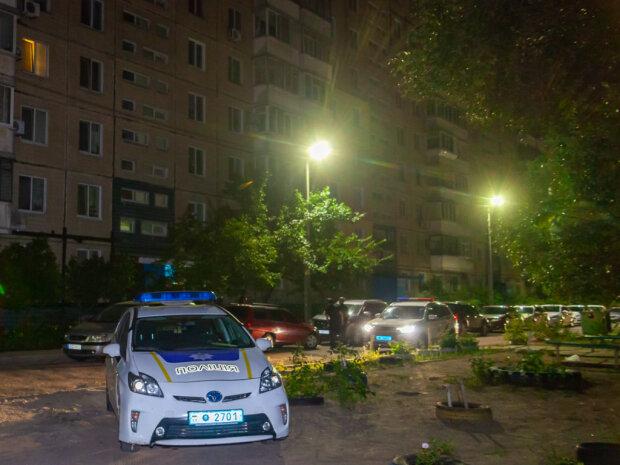 """В Киеве обнаружили труп женщины, умерла полгода назад: """"подсказал"""" запах"""