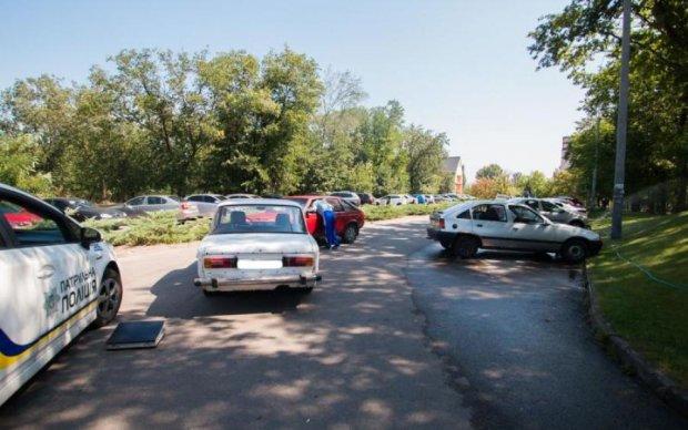 """Ограбление по-украински: неизвестные с номерами """"свадьба"""" обчистили инкасаторов на """"шестерке"""""""