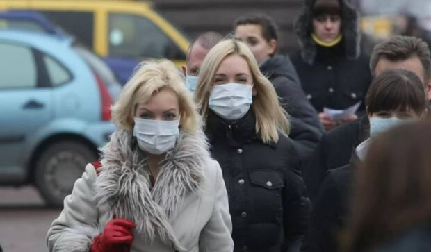 Комаровский рассказал, насколько медицинские маски защищают от болезней
