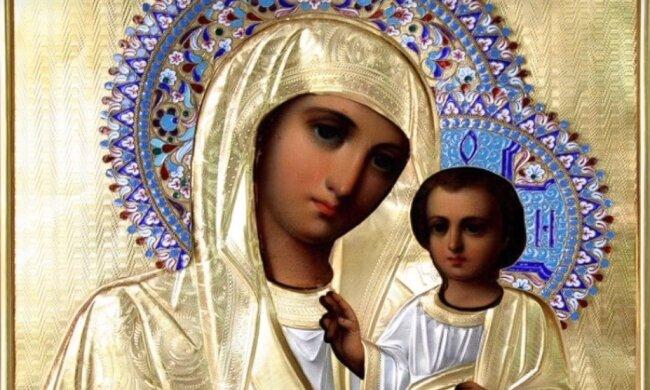 Сильні молитви матері за сина: для життя в достатку, міцного здоров'я і допомоги дитині