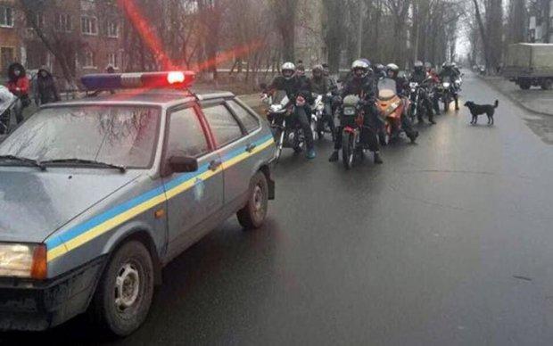 Байкеры открыли сезон в Авдеевке проукраинским пробегом