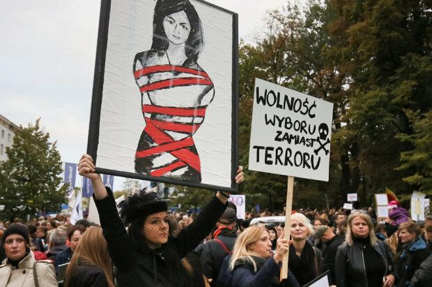 Митинг против запрета абортов в Польше, фото ВВС