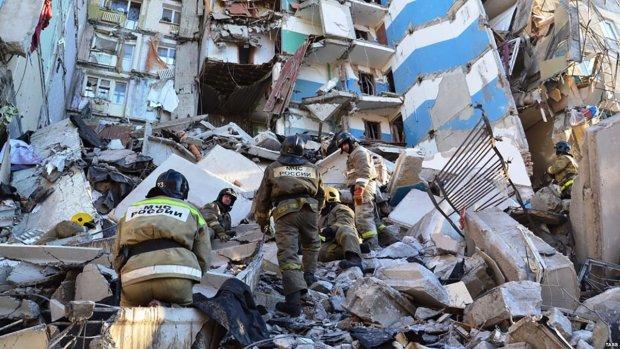 Спасатели прекратили поиск жертв взрыва в Магнитогорске: надежды найти выживших больше нет