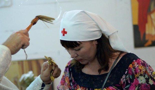 Як лікарі порадили росіянці лікуватися в церкві
