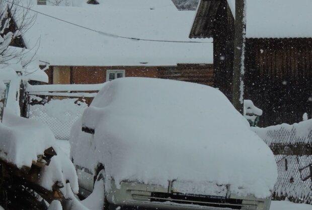 Погода в березні, кадр з відео