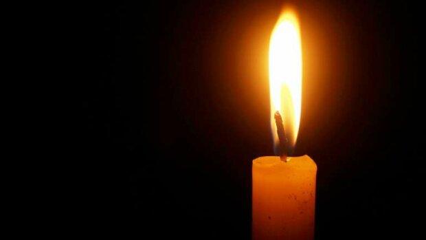 Траурна свічка, фото Hyser